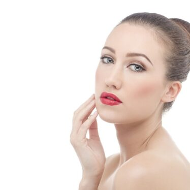 Best Skincare Products to Glow Your Skin with Natural Ingredients